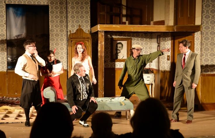 Teatro - actores nacionales con locales (10)